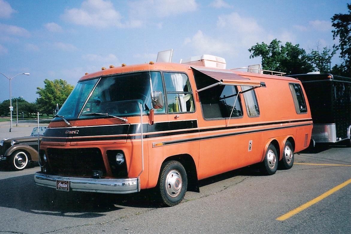GMC Motorhome 1973 13 18